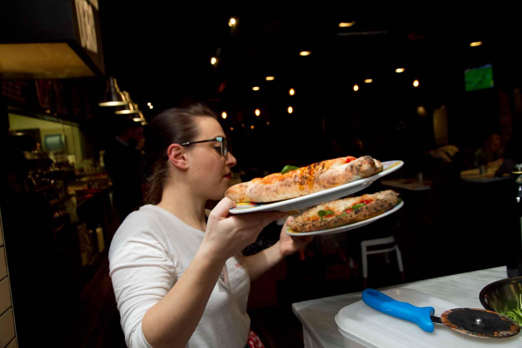 servizio pizze Rossopomodoro