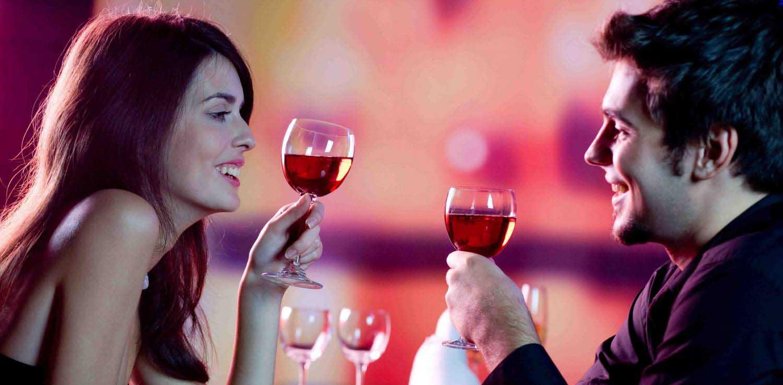donna uomo vino