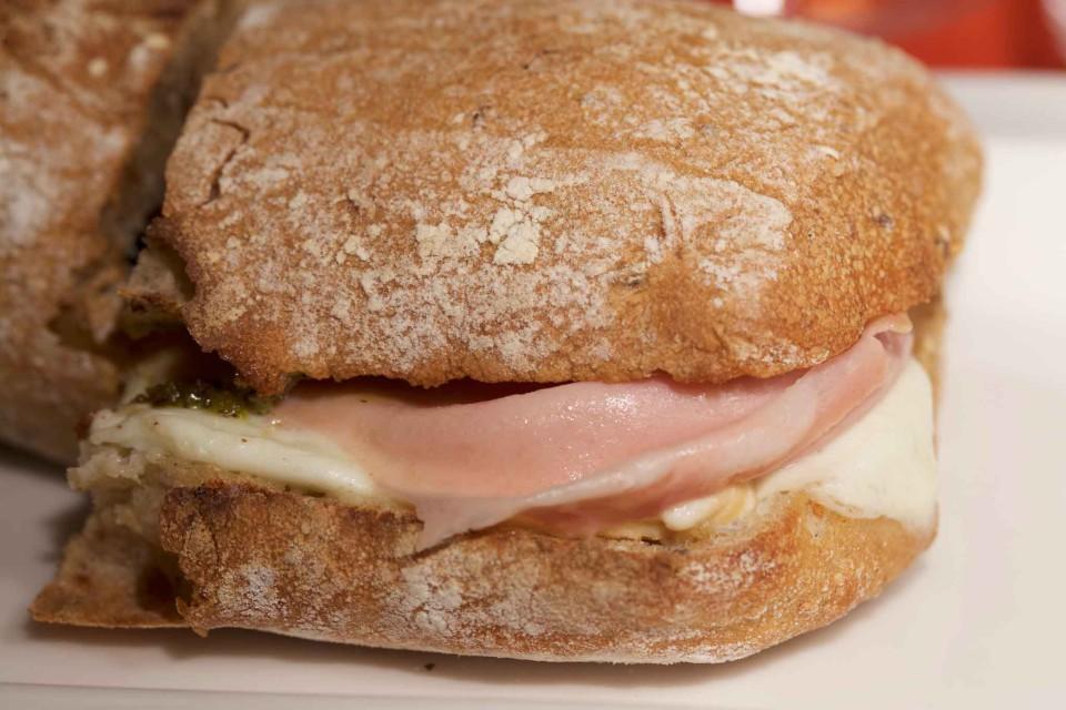 mpustarella panino mortadella