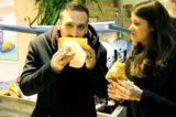 Ho mangiato la pizza fritta che è lo sfizio più buono a Milano