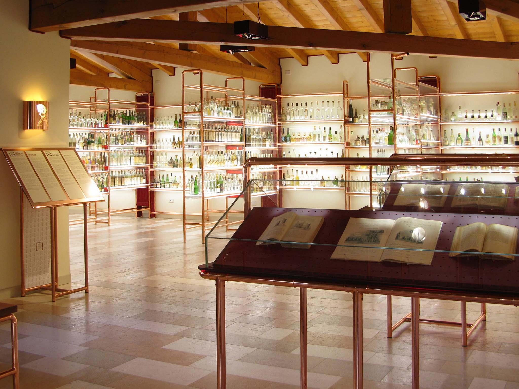 A - Poli Museo della Grappa Schiavon Interno