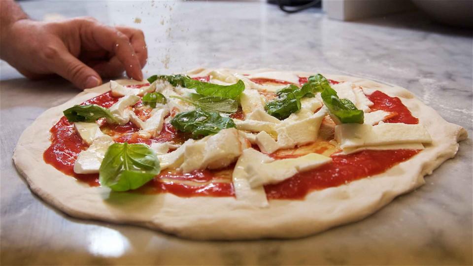 Condurro Michele pizza preparazione