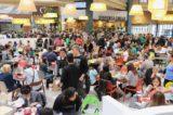 10 km di fila per il pollo fritto KFC al centro commerciale di Arese