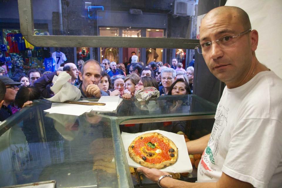 Salvatore Di Matteo pizzeria Tribunali Napoli