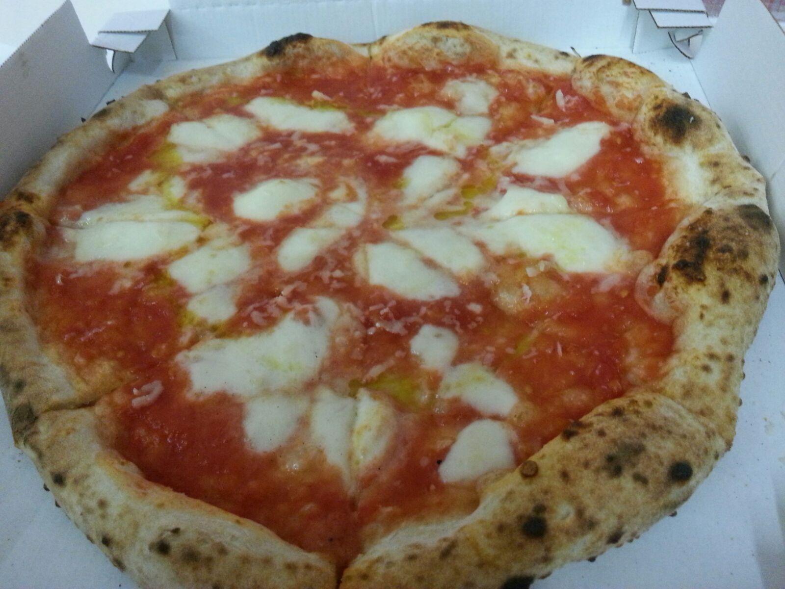 pizza margherita pizzeria etica Bologna