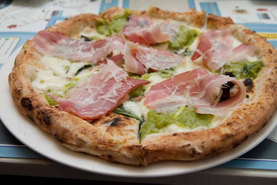 pizza prosciutto Enzo Coccia