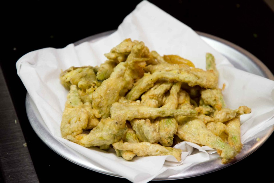ricetta carciofi fritti parmigiana 16
