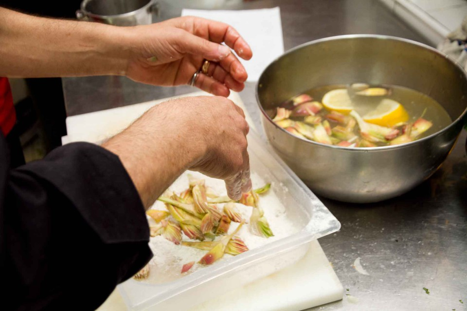 ricetta carciofi fritti parmigiana 4