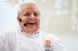 Iginio Massari torna in tv con le lezioni di pasticceria