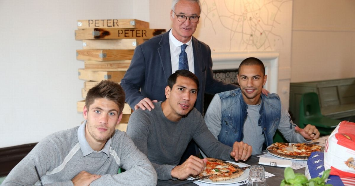 Leicester-City-Visit-Peter-Pizza