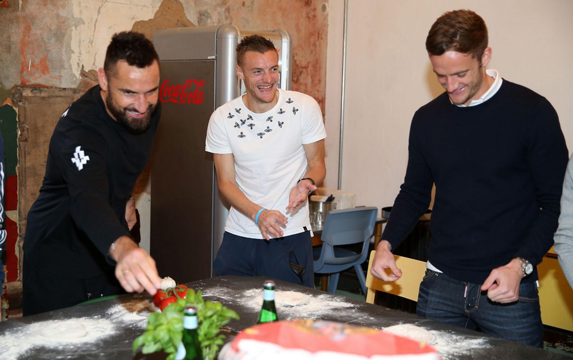 Marcin Wasilewski Jamie Vardy Andy King Leicester pizza