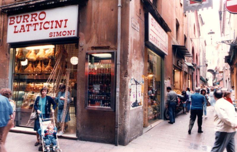 Salumeria Simoni Bologna anni '80