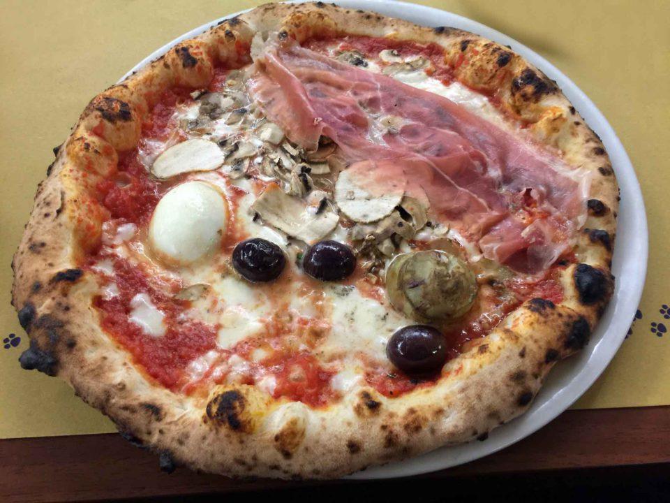 pizza capricciosa Gatta Mangiona