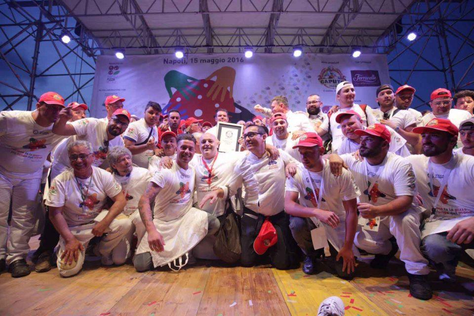 pizza più lunga del mondo record Napoli 13