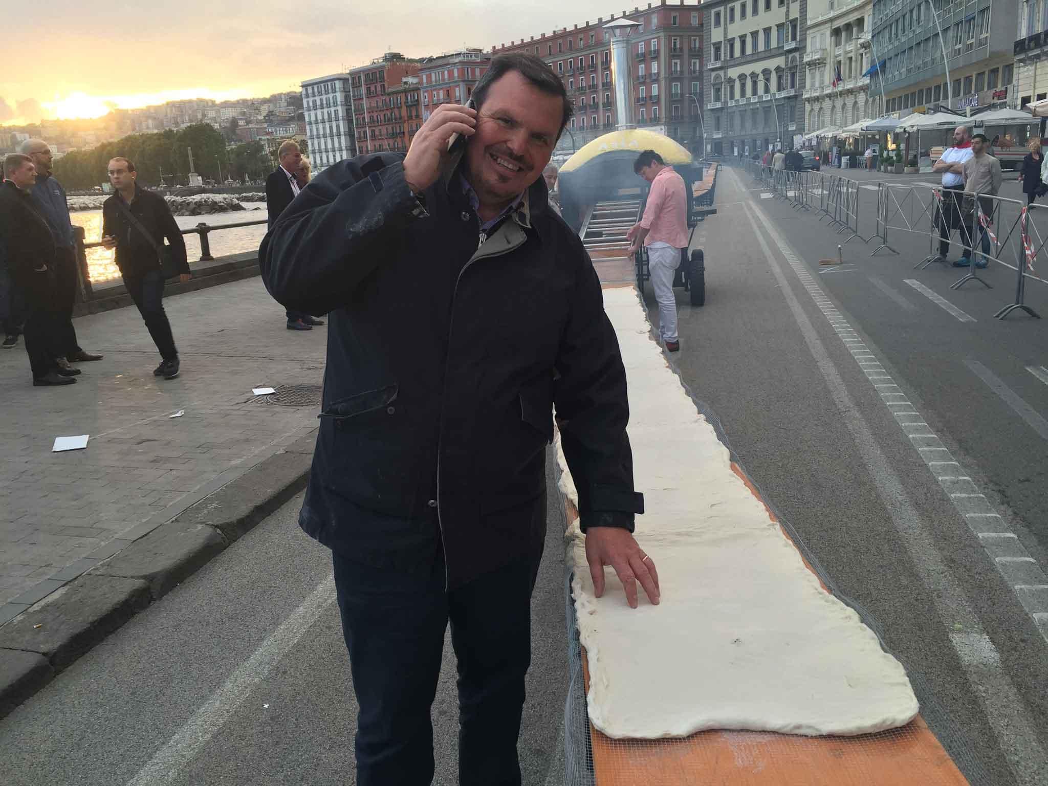 pizza più lunga del mondo record Napoli 14