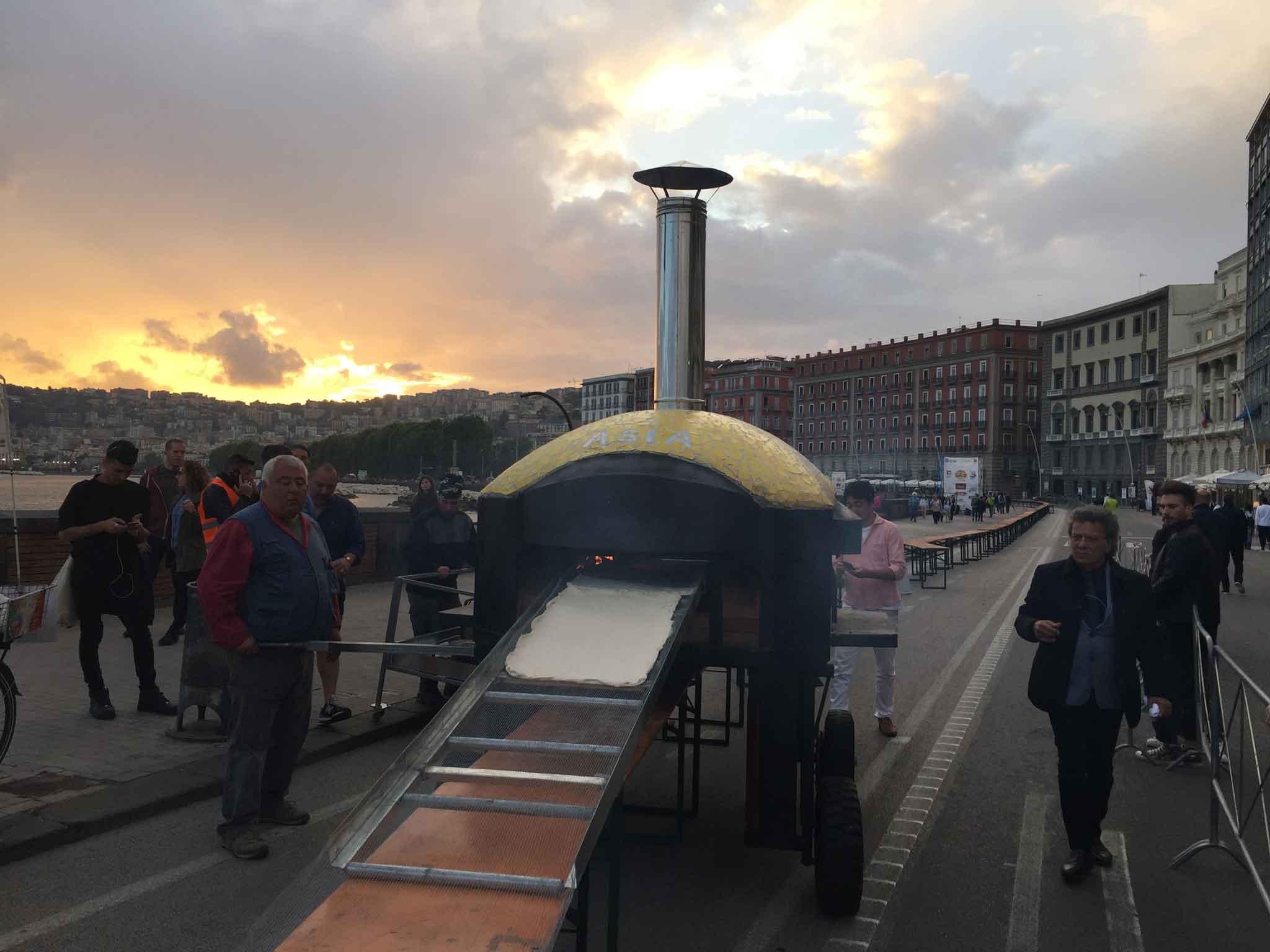 pizza più lunga del mondo record Napoli 15