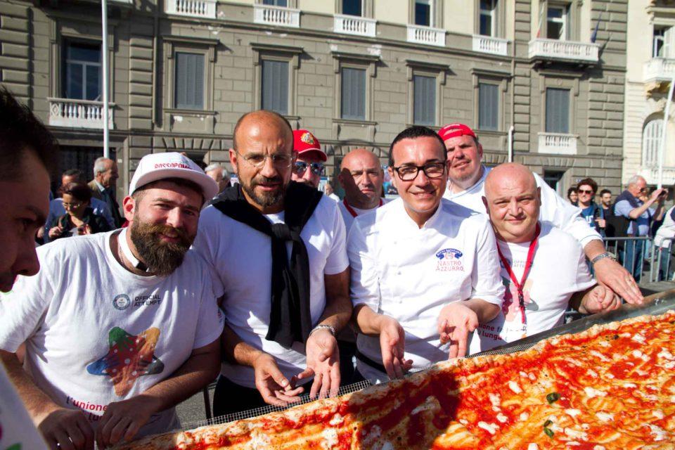 pizza più lunga del mondo record Napoli 53