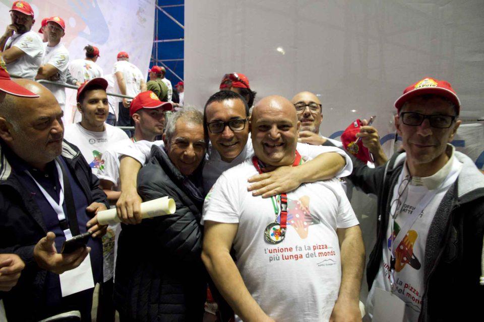pizza più lunga del mondo record Napoli 64