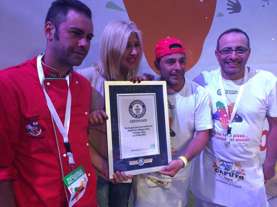 pizza più lunga del mondo record Napoli 9