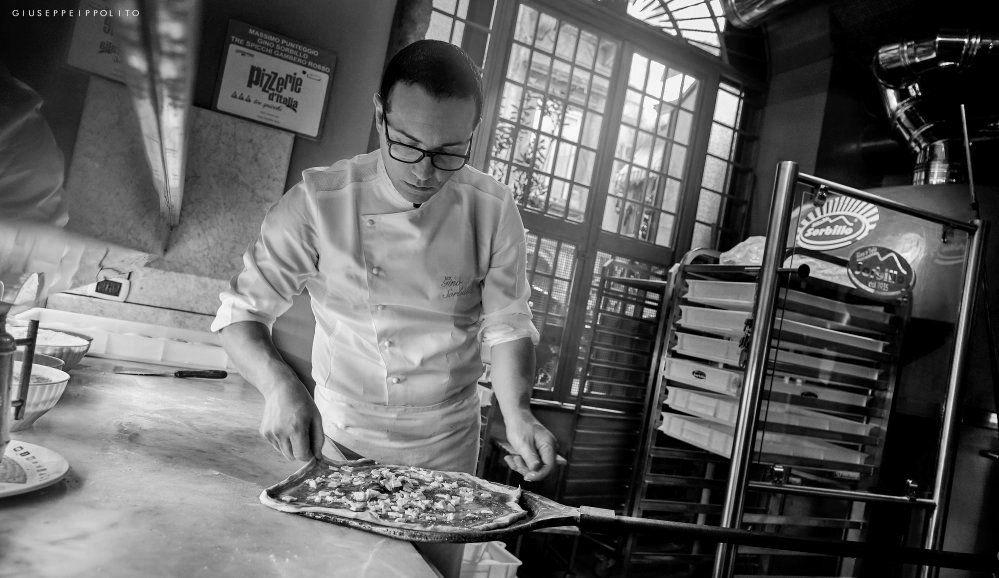 Risultati immagini per arte pizzaiolo sorbillo