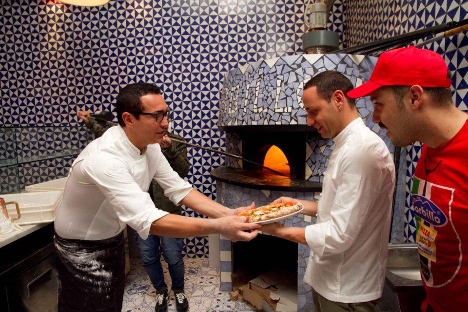 I fratelli Sorbillo in pizzeria