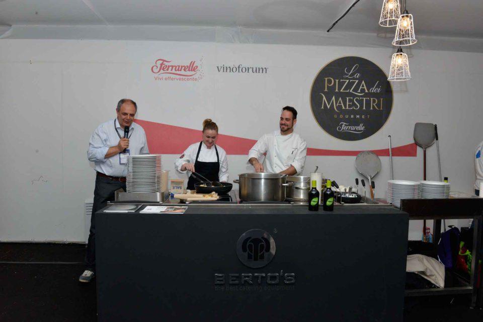 Vincenzo Pagano presenta la pizza dei maestri Vinoforum