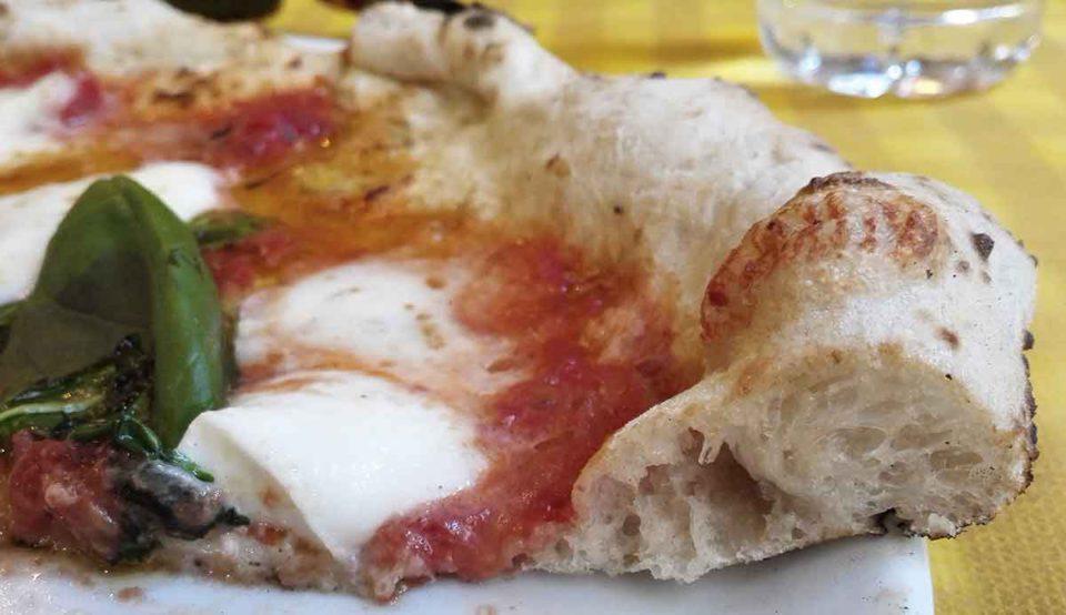 piz pizzeria Milano cornicione