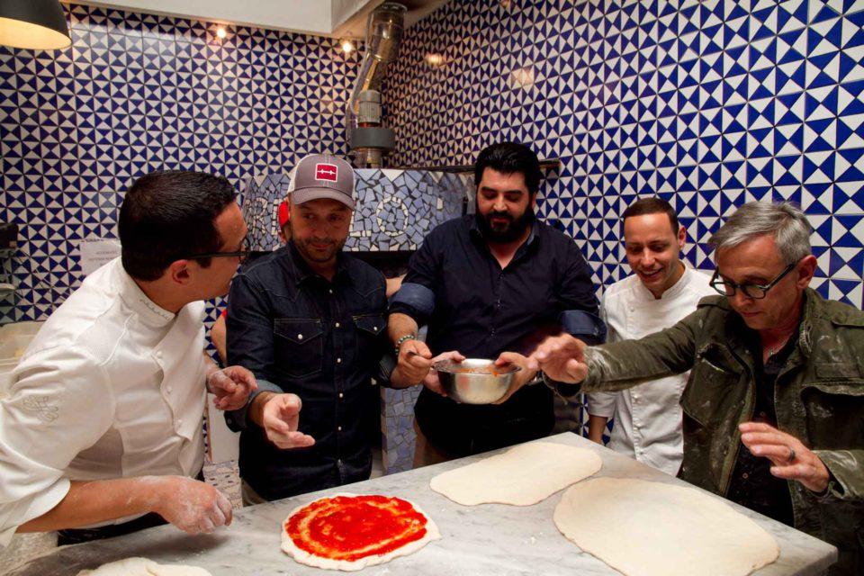 preparativi pizza Sorbillo Cannavacciuolo Barbieri