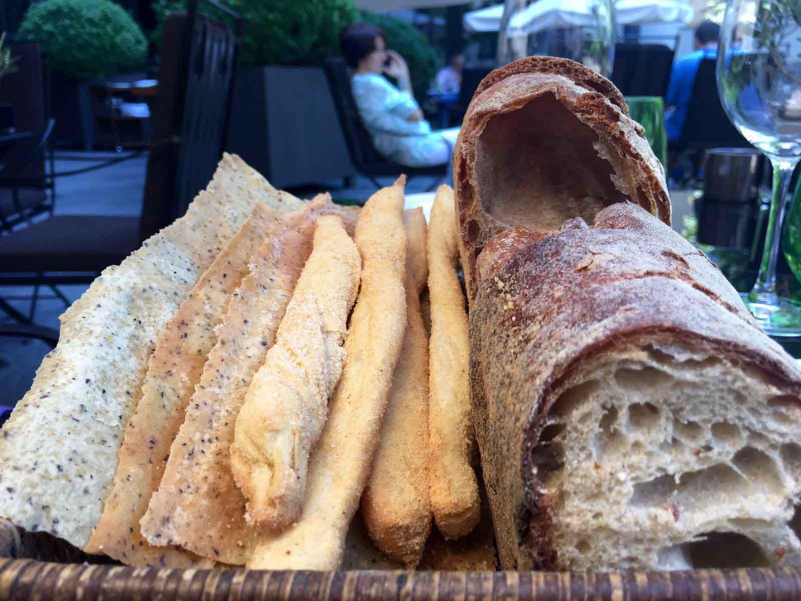 Hotel Bulgari ristorante pane