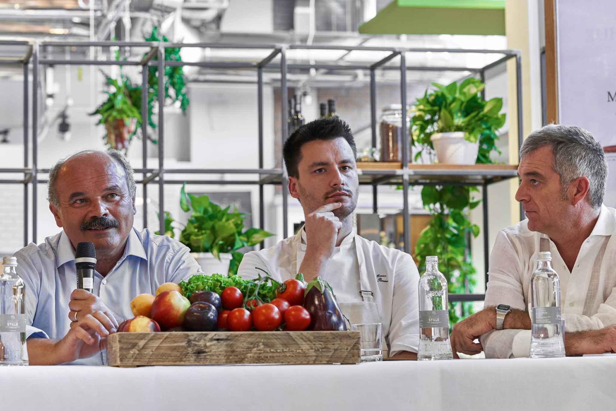 Oscar Farinetti presenta ristorante Stagioni