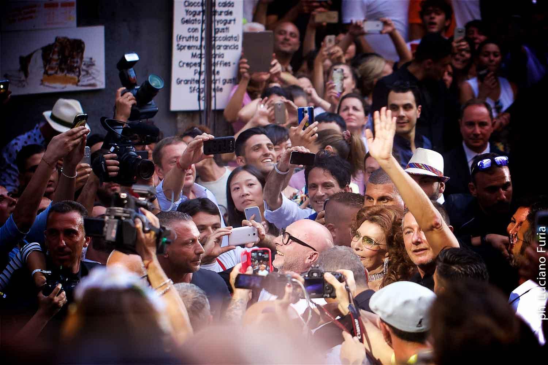 Sofia Loren madrina sfilata Dolce e Gabbana Napoli 2