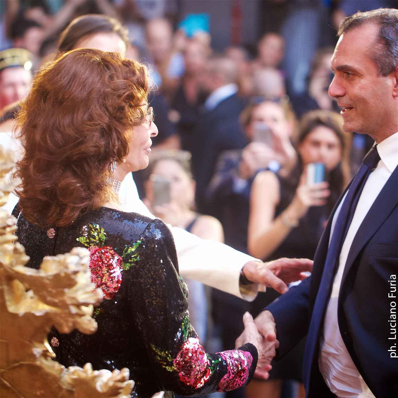 Sofia Loren madrina sfilata Dolce e Gabbana Napoli 4
