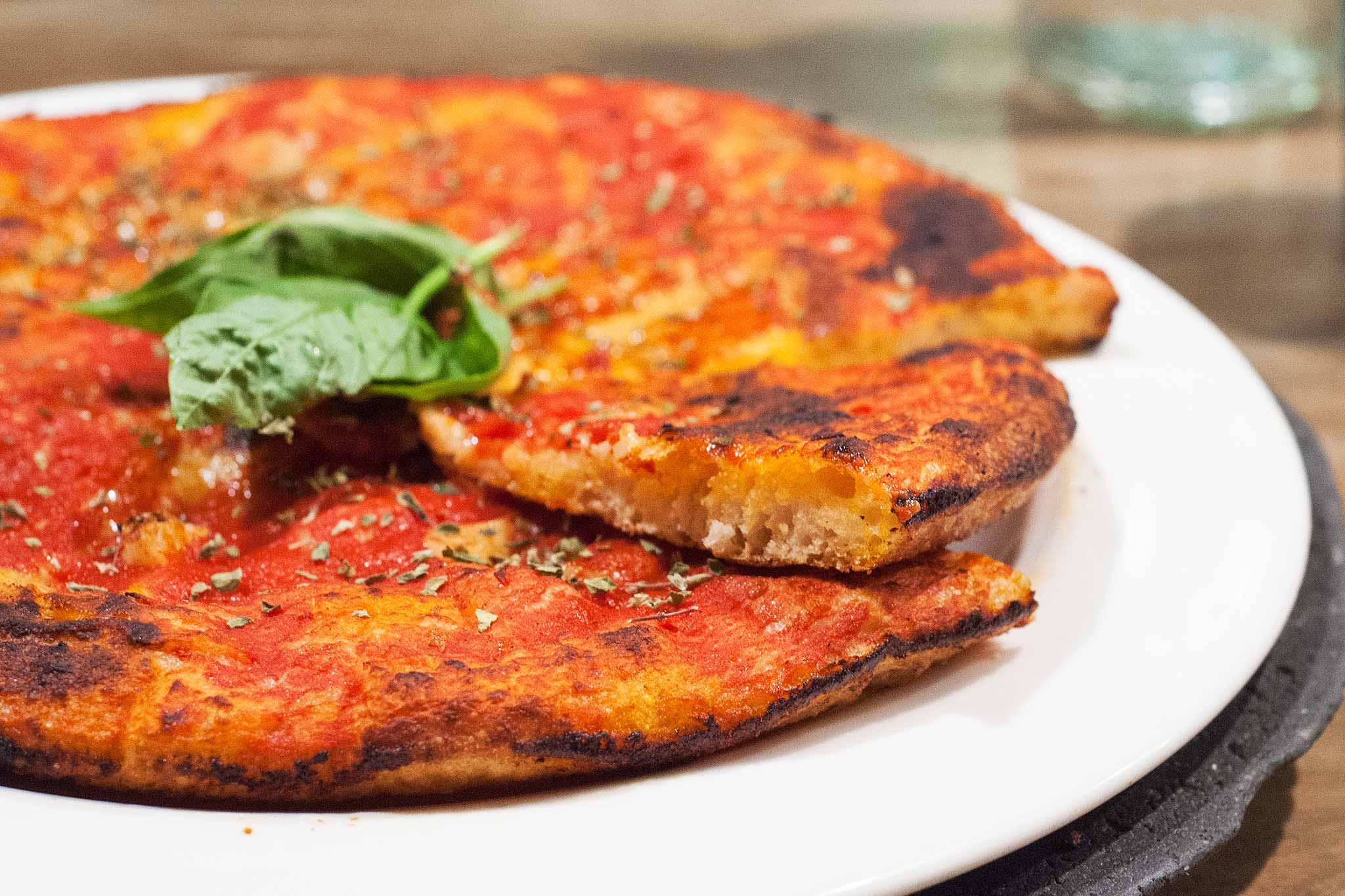 pasqualino-rossi-pizza-nel-ruoto-fetta