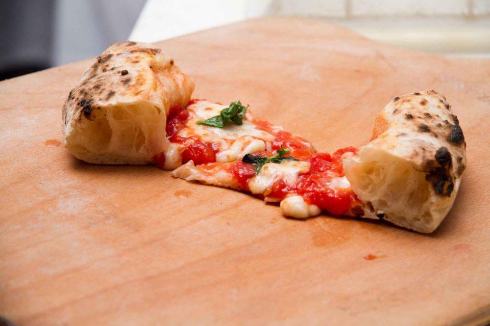 pizza con cornicione alveolato