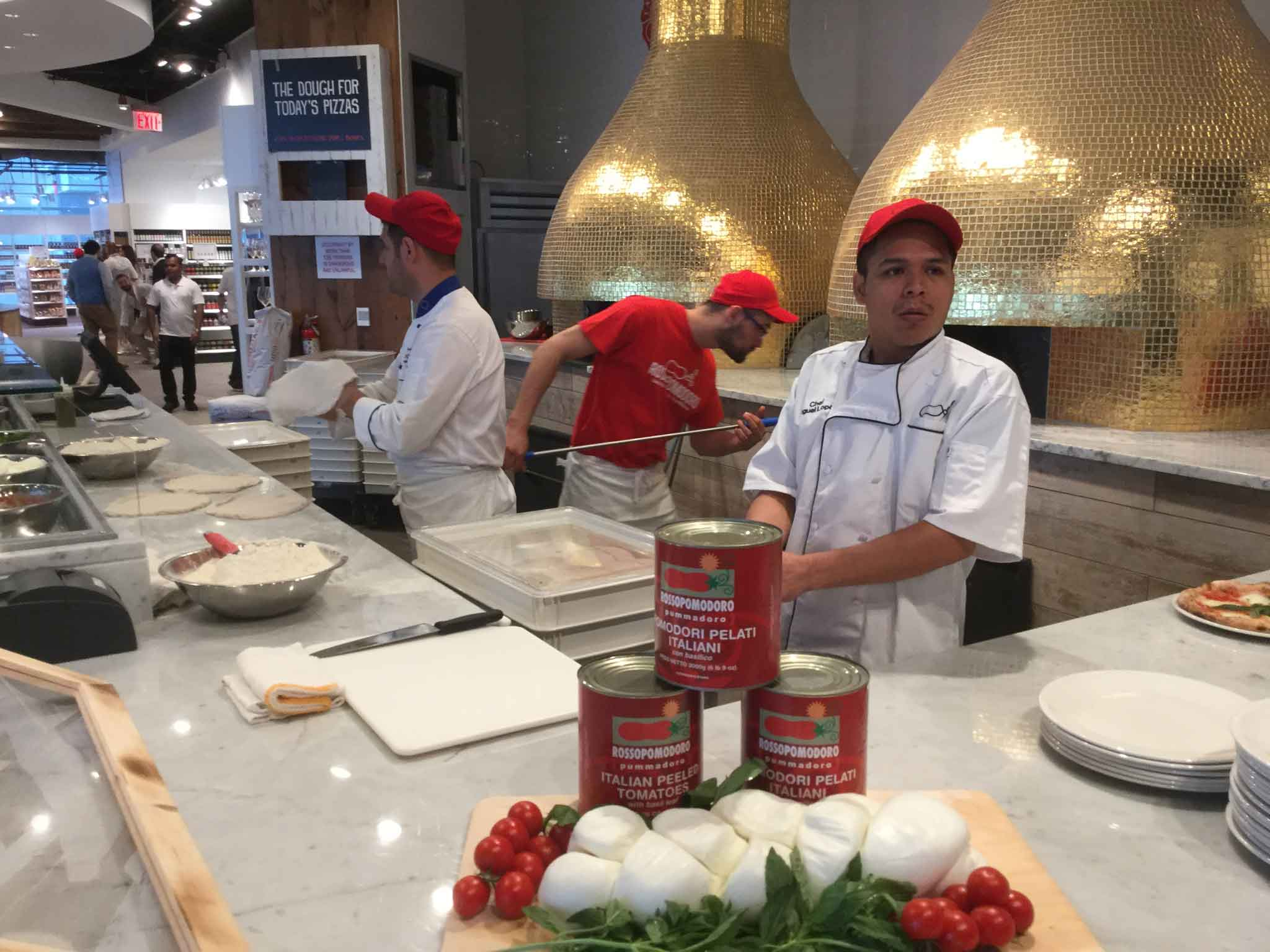 Eataly New York Downtown World Trade Center Tower pizza Rossopomodoro