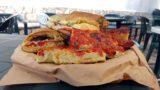 Scopello. 5 € di felicità con il pane cunzatu e lo sfincione del forno Stabile e Anselmo