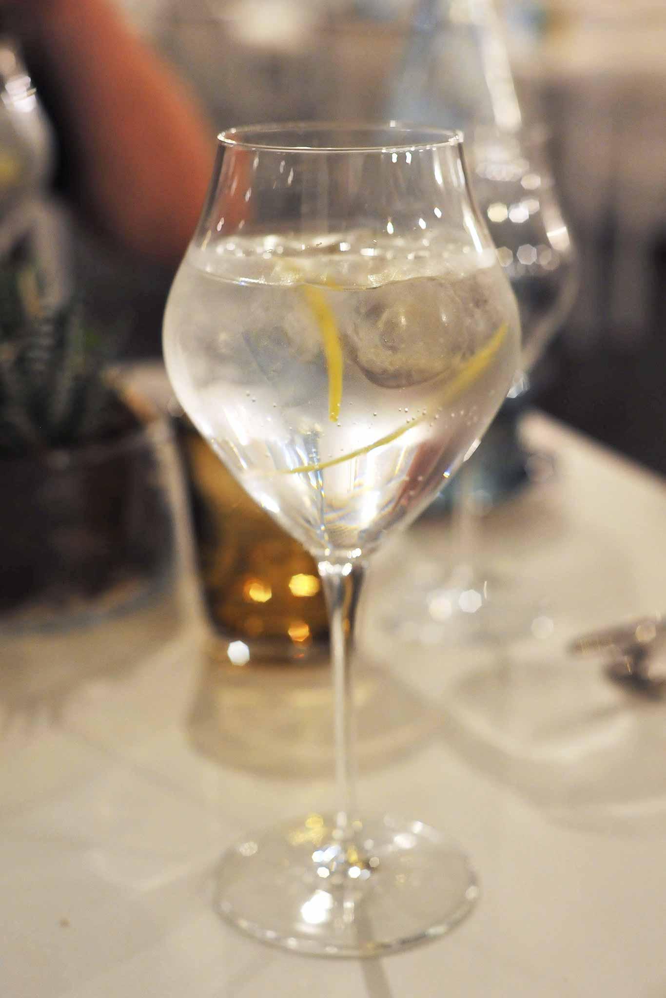 al-molo-gin-tonic