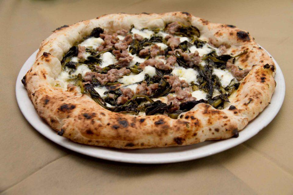 pizza I Masanielli salsiccia friarielli