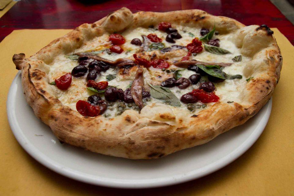 pizzeria il Borgo Acciaroli pizza alici