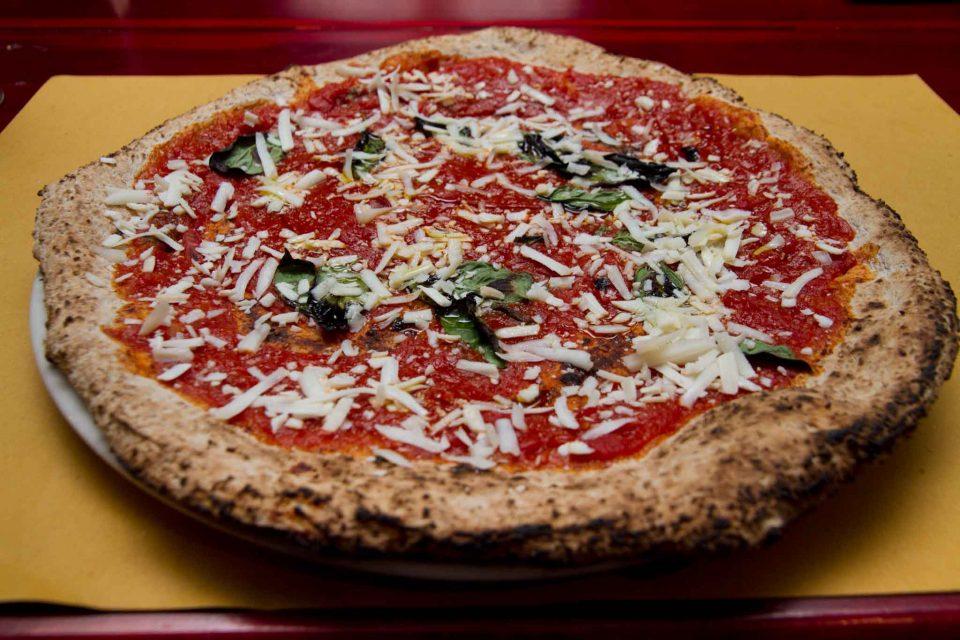 pizzeria il Borgo Acciaroli pizza cilentana integrale