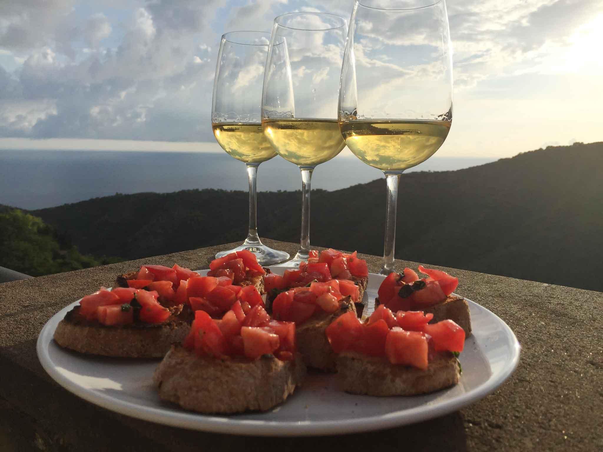 vino e bruschetta mare Acciaroli da Cannicchio