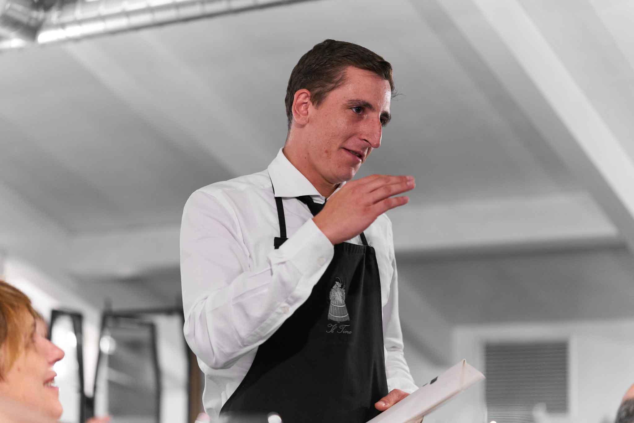 Francesco cameriere Il Tino
