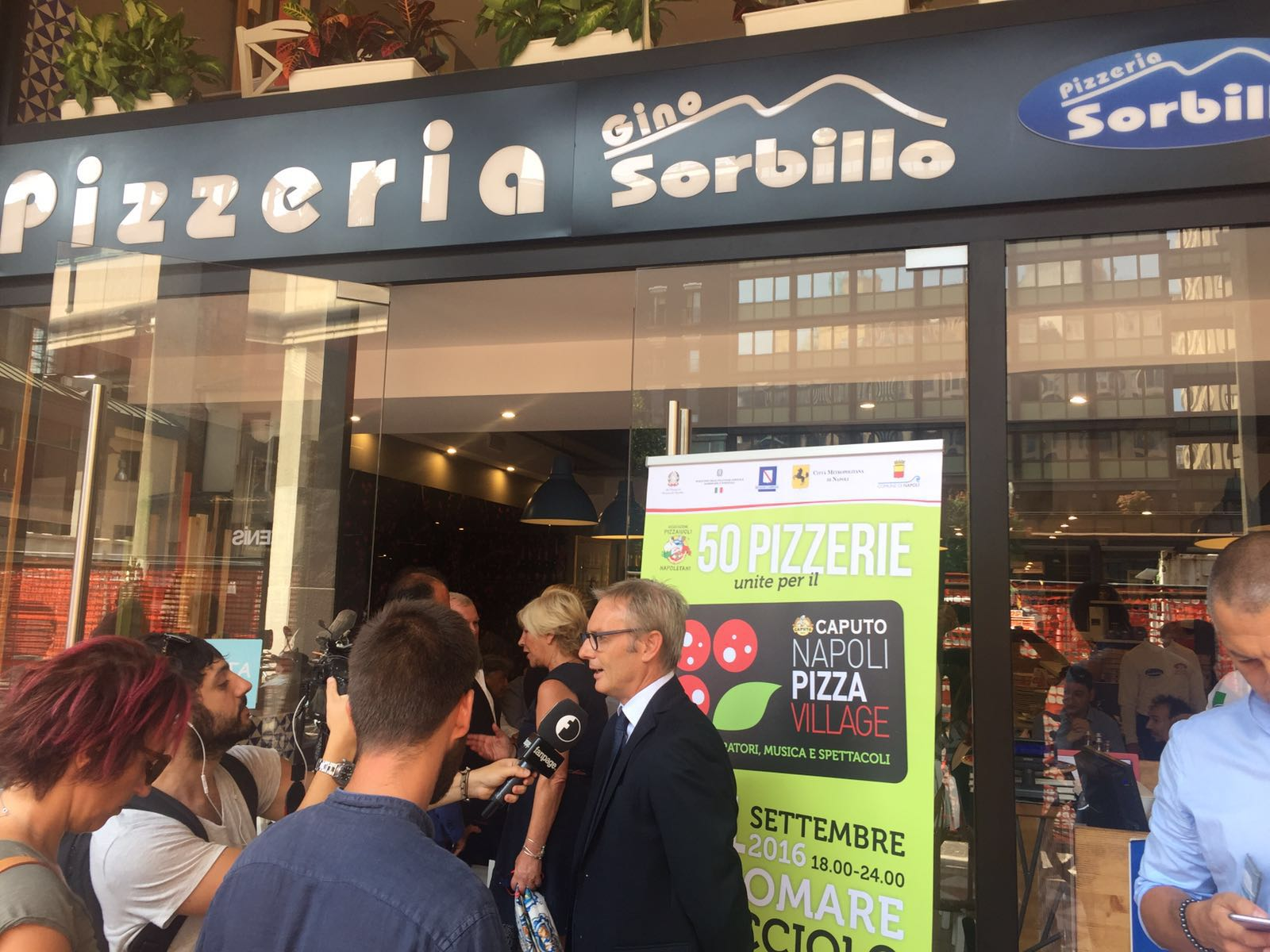 Napoli Pizza Village 2016 presentazione Sorbillo Milano 1
