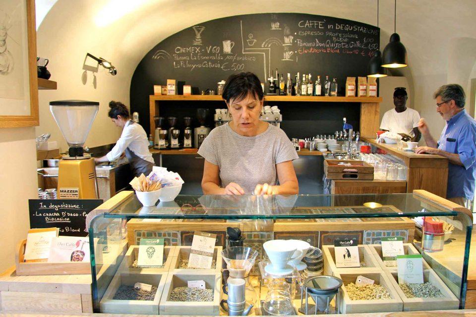 art-cafe-bergamo-bancone