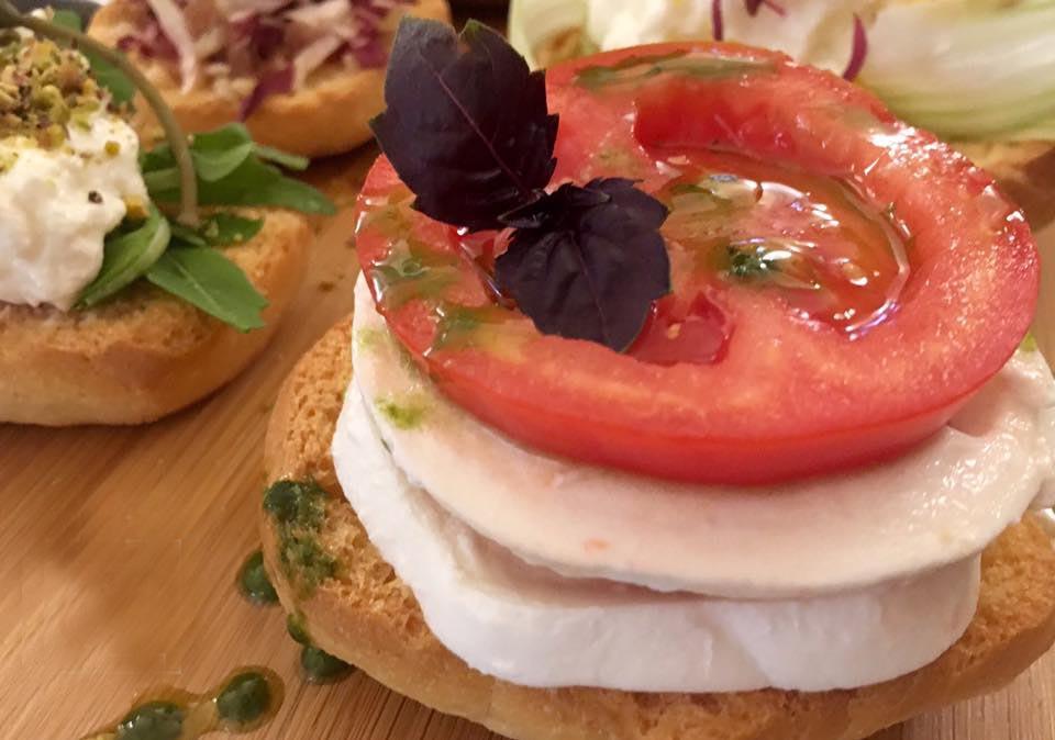 frisella-mozzarella-e-pomodori