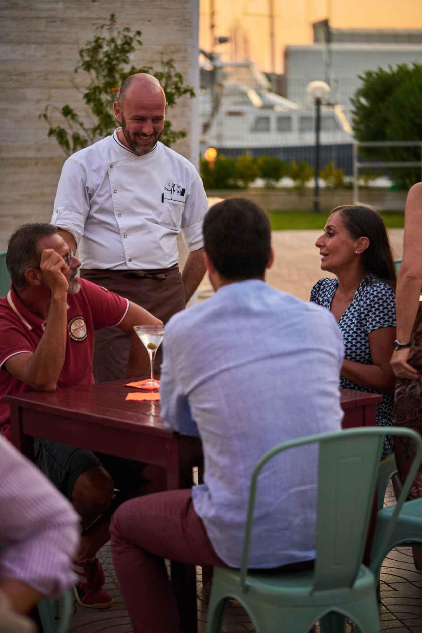 Fiumicino come si mangia e quanto costa il ristorante il tino - Ristorante con tavoli all aperto roma ...