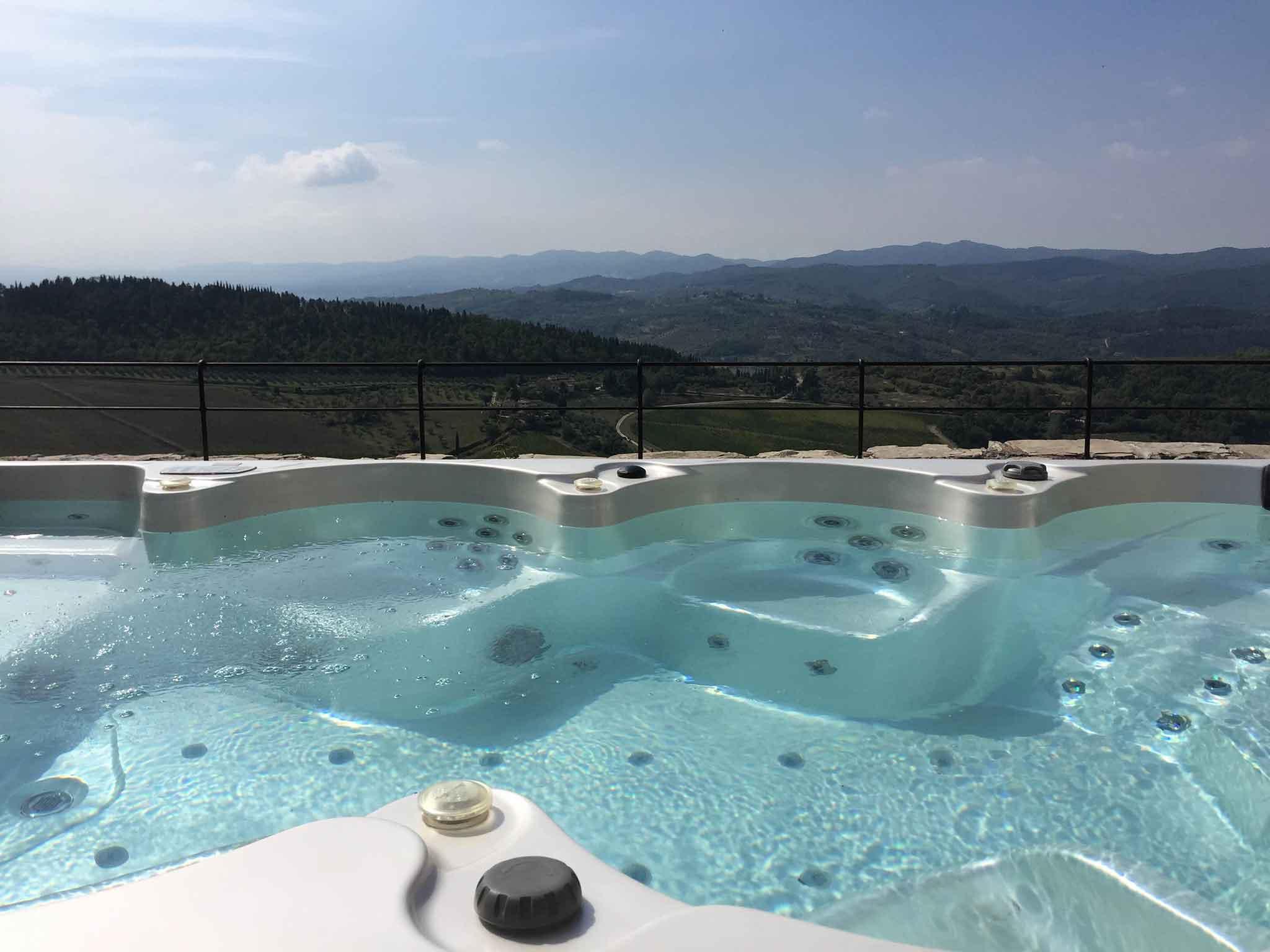 piscina-castello-nipozzano
