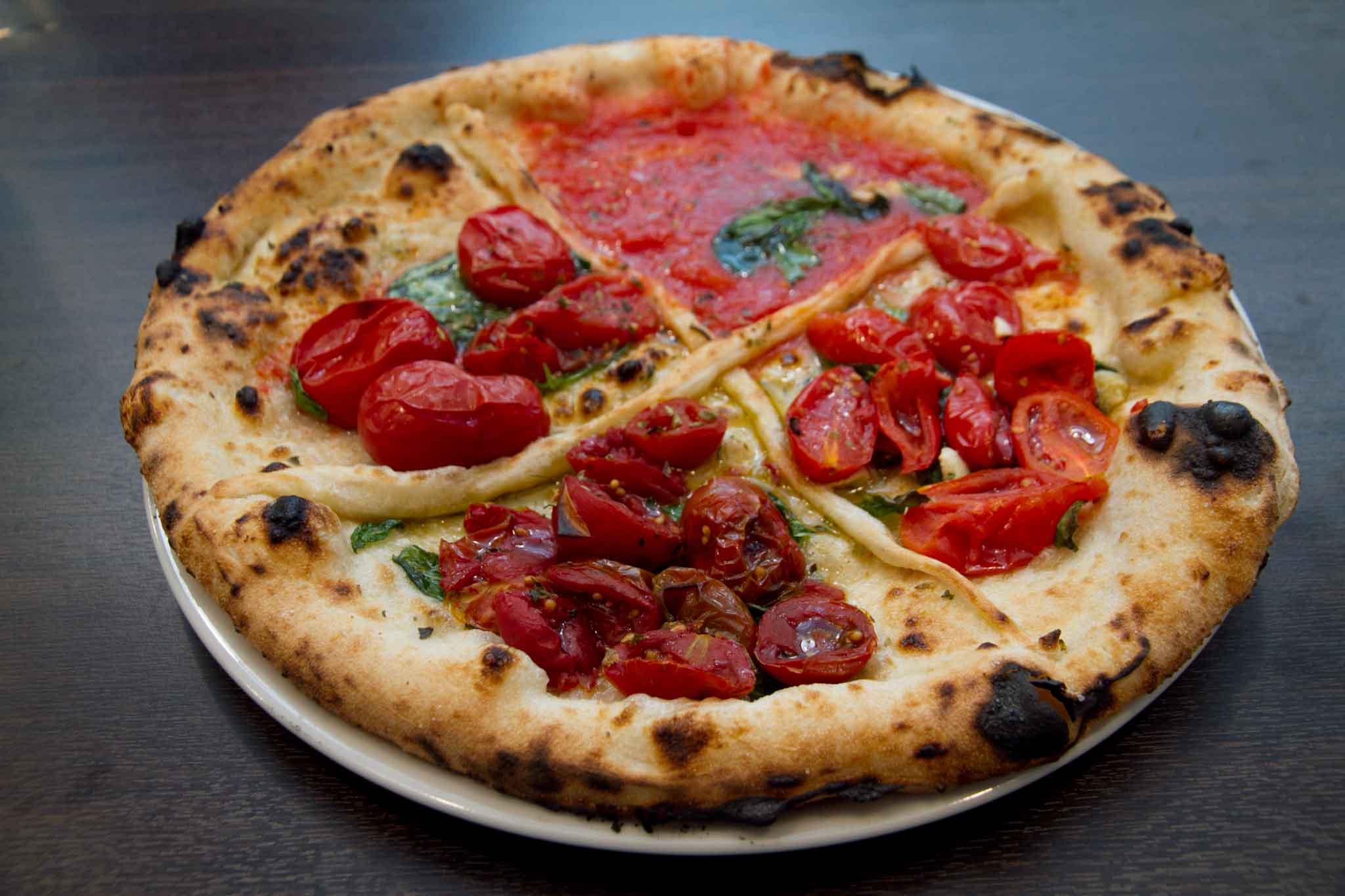pizza pomodori Guglielmo Vuolo