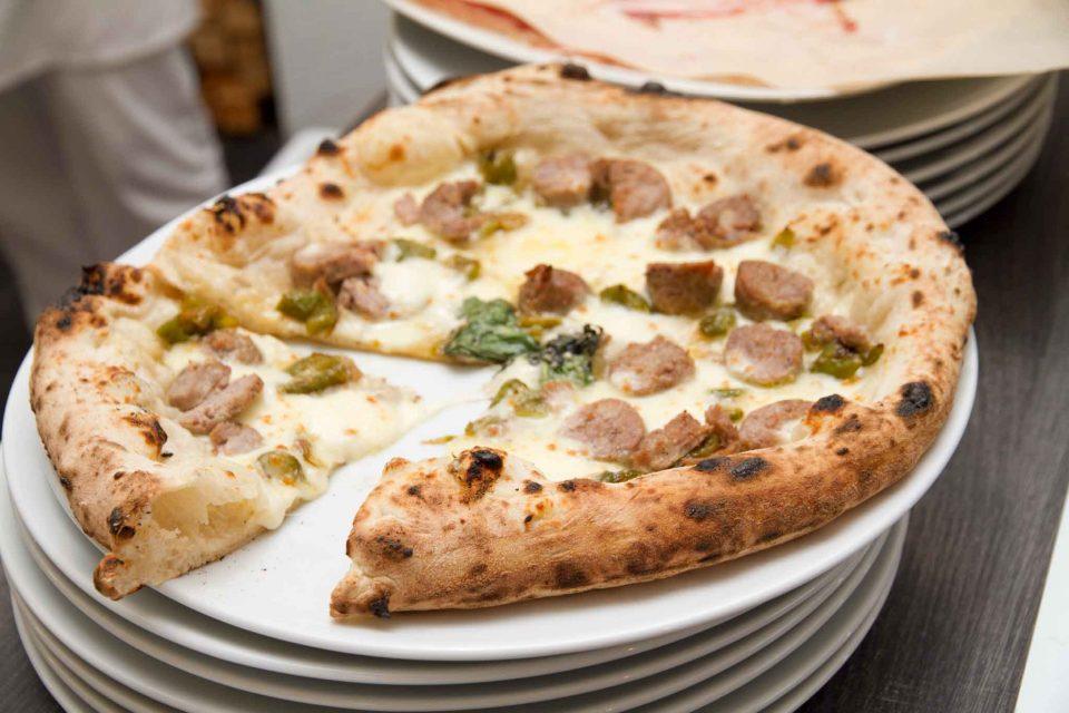 pizza-salsicce-e-peperoncini