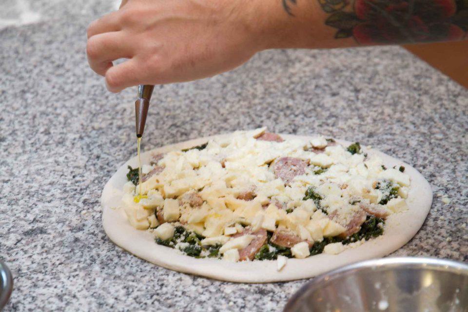 pizza-salsiccia-friarielli-maria-cacialli